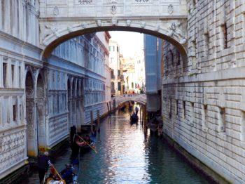 ヴェネツィアは海に沈む?
