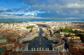 世界最小国バチカンはなぜローマの中にあるのか